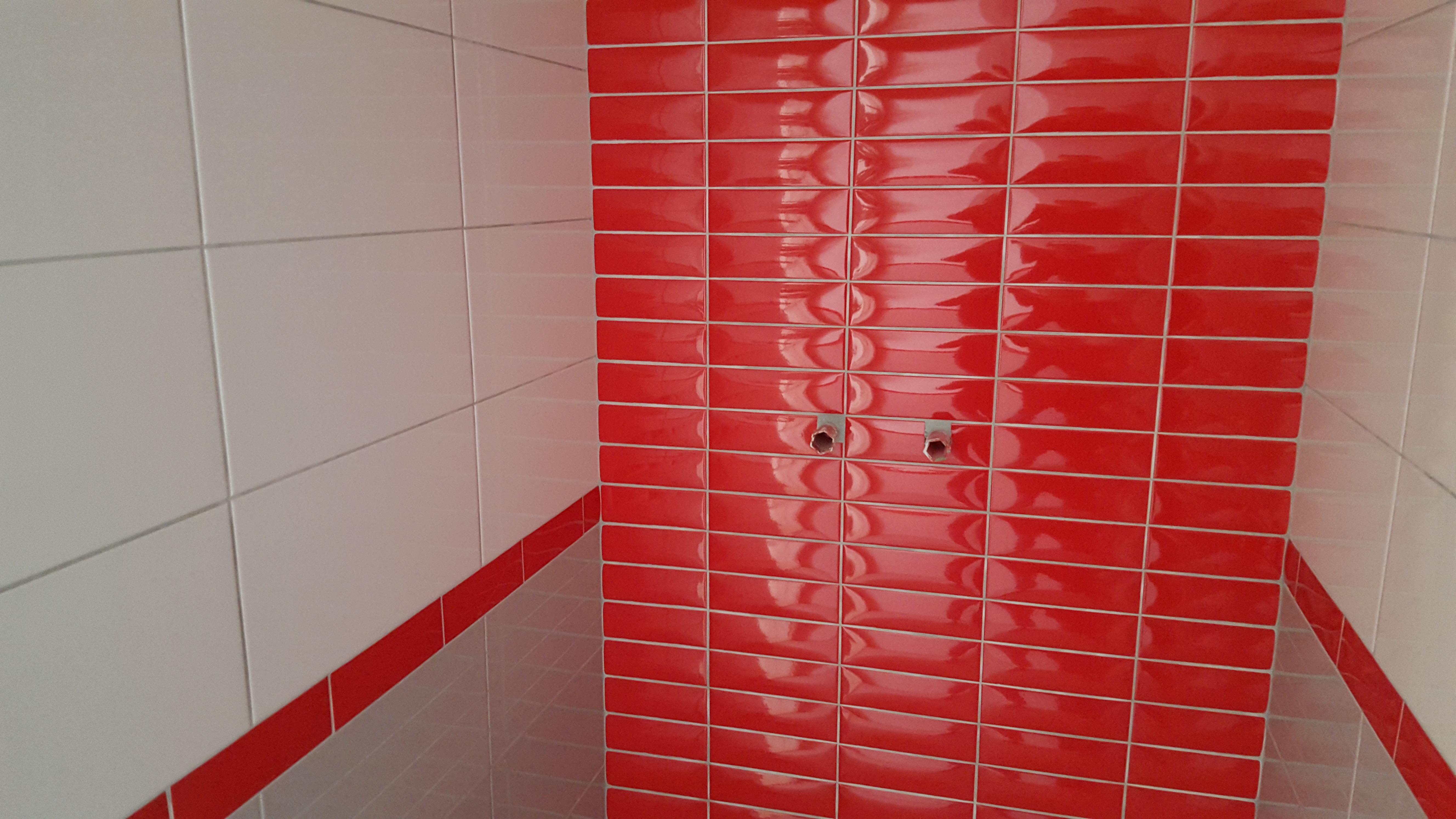 Obklady ve sprchovém koutě